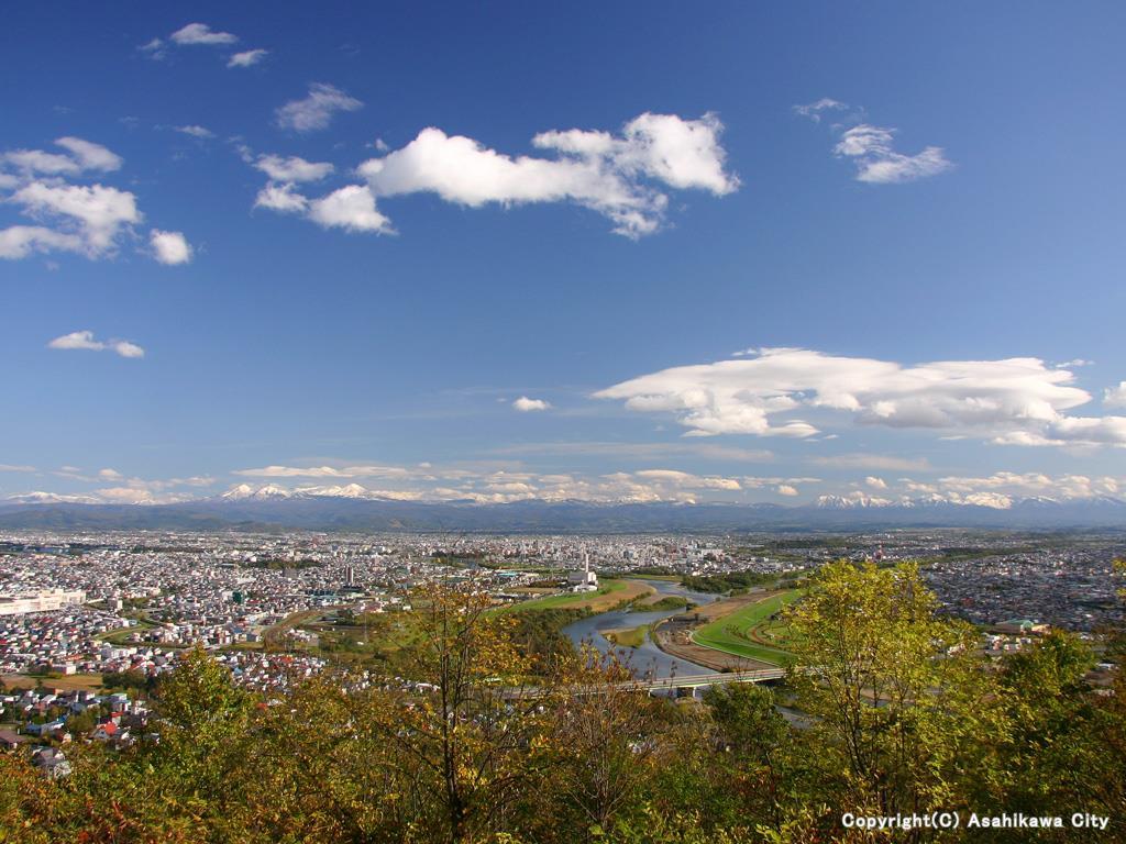 嵐山展望台から見る旭川市   旭...